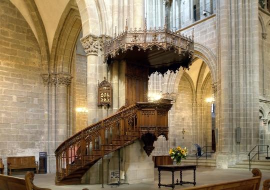 Chaire_de_la_cathédrale_Saint-Pierre,_Genève